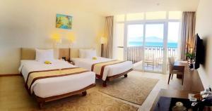 Centara Sandy Beach Resort Danang, Курортные отели  Дананг - big - 13