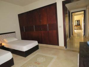 Two-Bedroom Apartment at Azzurra Sahl Hasheesh, Appartamenti  Hurghada - big - 2
