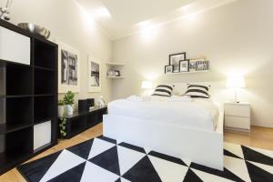 Black&White Apartment by Tyzenhauz