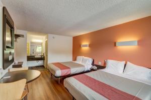 Motel 6 Berea