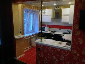 Apartment on Trekhsvyatskaya 28