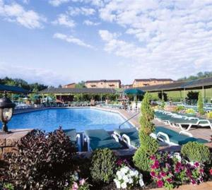 Nearby hotel : Villa Roma Resort and Conference Center
