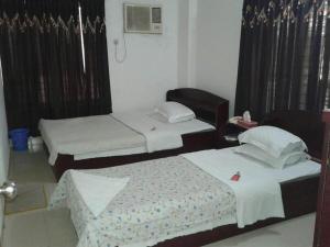 White Rose Suite Ltd