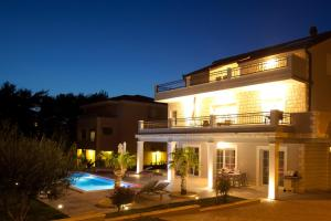 Polo Villa & Suites