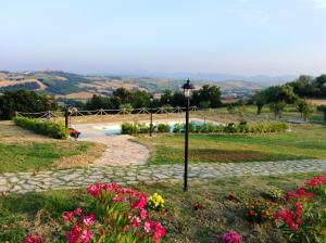 Leondina Country House, Bed & Breakfasts  Corinaldo - big - 42
