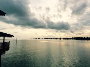 Langkawi Lagoon Resort Water Chalet by De Lagoon, Üdülőközpontok  Kampung Padang Masirat - big - 13