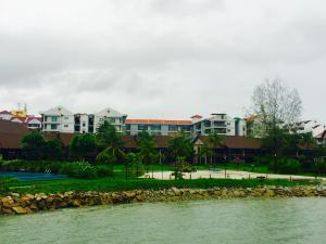 Langkawi Lagoon Resort Water Chalet by De Lagoon, Üdülőközpontok  Kampung Padang Masirat - big - 73