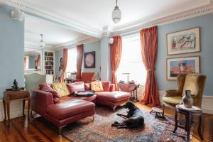 onefinestay - Uptown apartment..