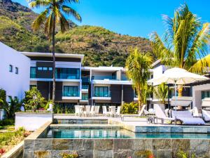Latitude Luxury Seafront Apartments