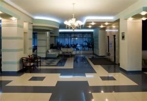 (Meridian Hotel)