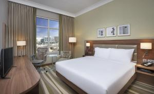 Hilton Garden Inn Dubai Al Muraqabat - Dubai