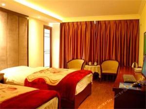 Emeishan Lei Dongping Piaoxiang Hotel