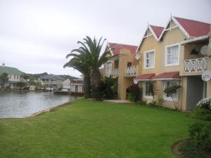 Waterside Living MC38