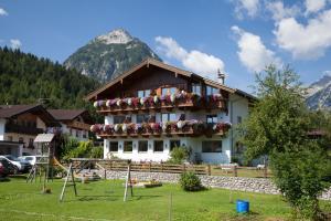 Gasthaus-Pension Golfvilla - Pertisau am Achensee