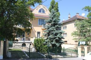 Villa Hotel Kristal(Budapest)