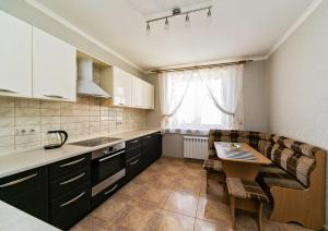 3 rooms 407 CrocusExpo (Apartments near Pavshinskiy Bridge)