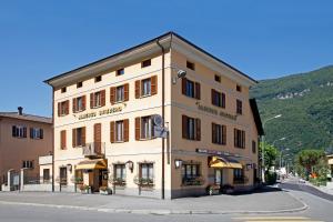 Albergo Ristorante Svizzero - Hotel - Capolago