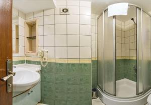 Beyaz Kugu Hotel, Hotel  Istanbul - big - 36