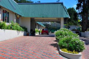 Quality Inn Sabari Resort