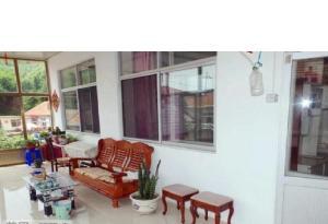Dandong Yimabneili Guest House