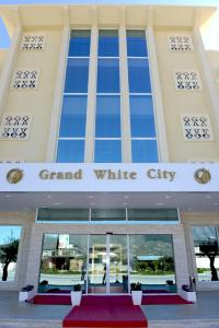 Grand White City Hotel, Hotels  Berat - big - 35