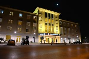 Grand White City Hotel, Hotels  Berat - big - 31