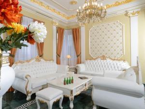 Royal Apartments Aphrodite Pal..