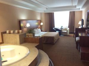 Селая - Hotel Soleil Business Class Celaya