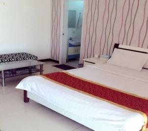 Yaxin Aparthotel