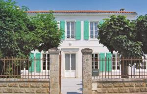 Holiday home Rue D´Vergers-Les Bran