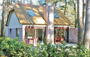 Holiday home Sonnevijver Vijverdorp-Waterl III