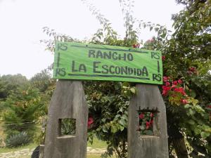 Rancho Hostal La Escondida Eco Park, Bed & Breakfast  Teopisca - big - 1
