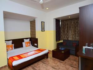 OYO Rooms Sampatrao Colony Alkapuri