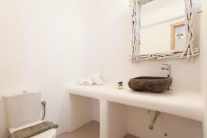 Mykonos Panormos Villas & Suites, Ville  Panormos Mykonos - big - 121