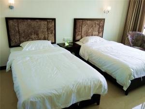 Guilin Yangshuo Jingying Huanle Village Holiday Inn