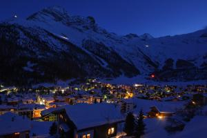 Chalet Marmottes, Chalets  Saas-Fee - big - 14