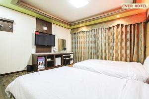 Ever Hotel Jeju, Hotely  Jeju - big - 2