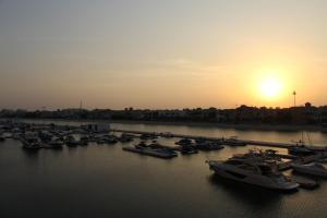 Yanjoon Holiday Homes - Palm Jumeirah Marina Residence - Dubai