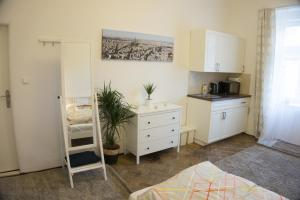 Апартаменты Sunny Apartment in Little Quarter, Прага