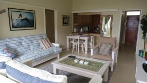 Hobie Beach Apartments