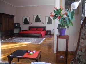 Lina's Apartment
