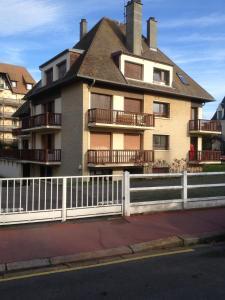 Appartement Lumineux À Deauville, Apartments  Deauville - big - 3