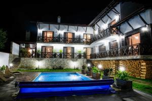 Einstein House & Spa, Guest houses  Marchevo - big - 22