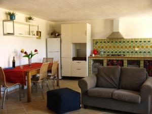 Casa Maica, Bed & Breakfasts  Cuile Ezi Mannu - big - 17