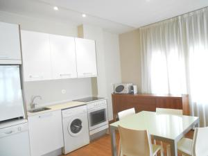 HolaStays Ayuntamiento, Apartments  Valencia - big - 32
