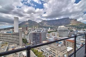 Table Mountain Views Penthouse