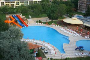 Swimming pool Hotel Iskar