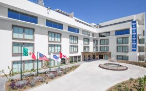 Hampton Inn and Suites by Hilton Los Cabos