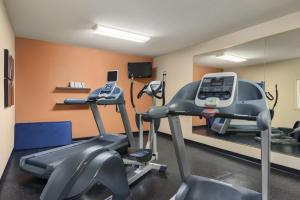 Country Inn & Suites by Radisson, Peoria North, IL, Hotels  Peoria - big - 23
