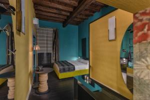Three Rooms in Spanish Steps